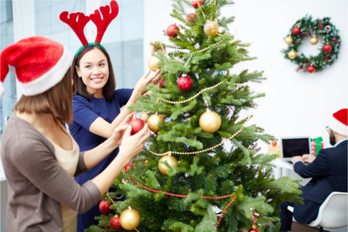 How Business Owners Can Spread Holiday Cheer Without Breaking The Bank