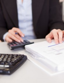 Choosing A Business Bank Account: 6 Things To Consider
