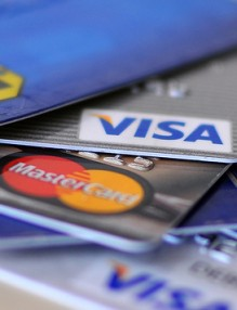 5 Simple Credit Cards Tips To Stay Out Of Debt