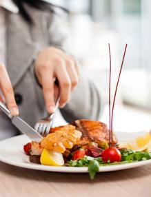 Basic Restaurant Etiquette Everyone Needs To Follow